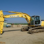 Excavator pe senile New Holland E215